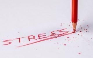 Стресс в жизни женщины: признаки, последствия