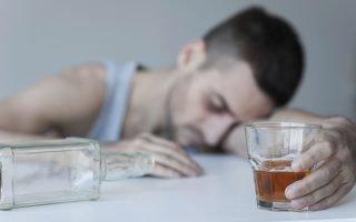Чем отличается пьянство от алкоголизма