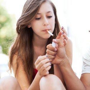 как курение влияет на волосы женщины