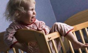 Что делать, если ребенок перед сном истерит