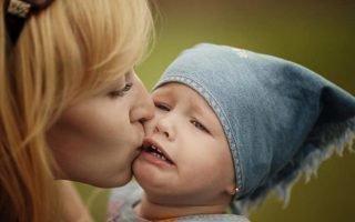 Как правильно реагировать на истерики двухлетнего ребенка
