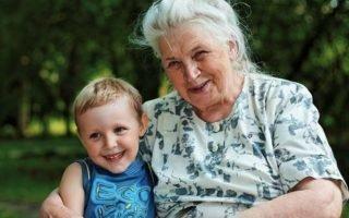Что делать с ревностью по отношению к бабушке и внукам