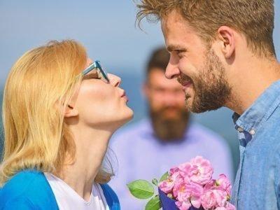 Любовник ревнует к мужу