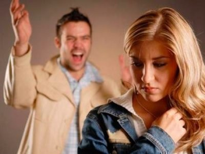 Муж ревнует без повода